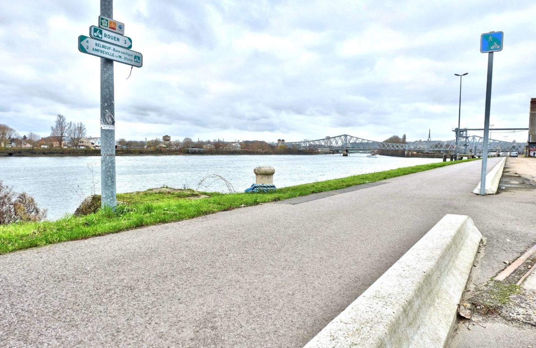 piste cyclable - bord de seine appart à rouen