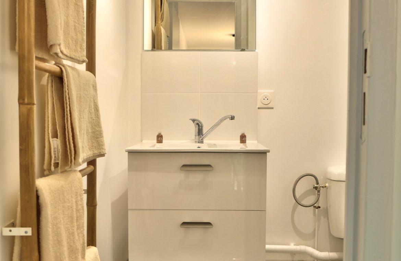 salle de bain appartement en borde seine unappartarouen.com
